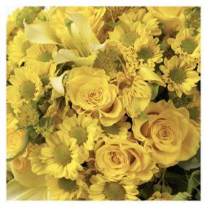 Verrassingsboeket seizoensbloemen geel