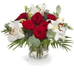 Boeket witte lelies met rode rozen groot