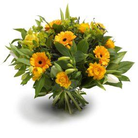 boeket gele en witte seizoensbloemen groot